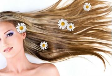 Prevenire la caduta dei capelli durante i cambi di stagione